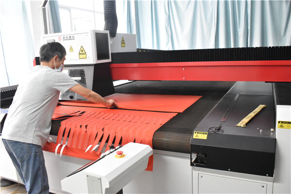 laser cutting machine 2